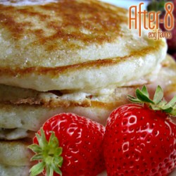 Creamy strawberry pancakes